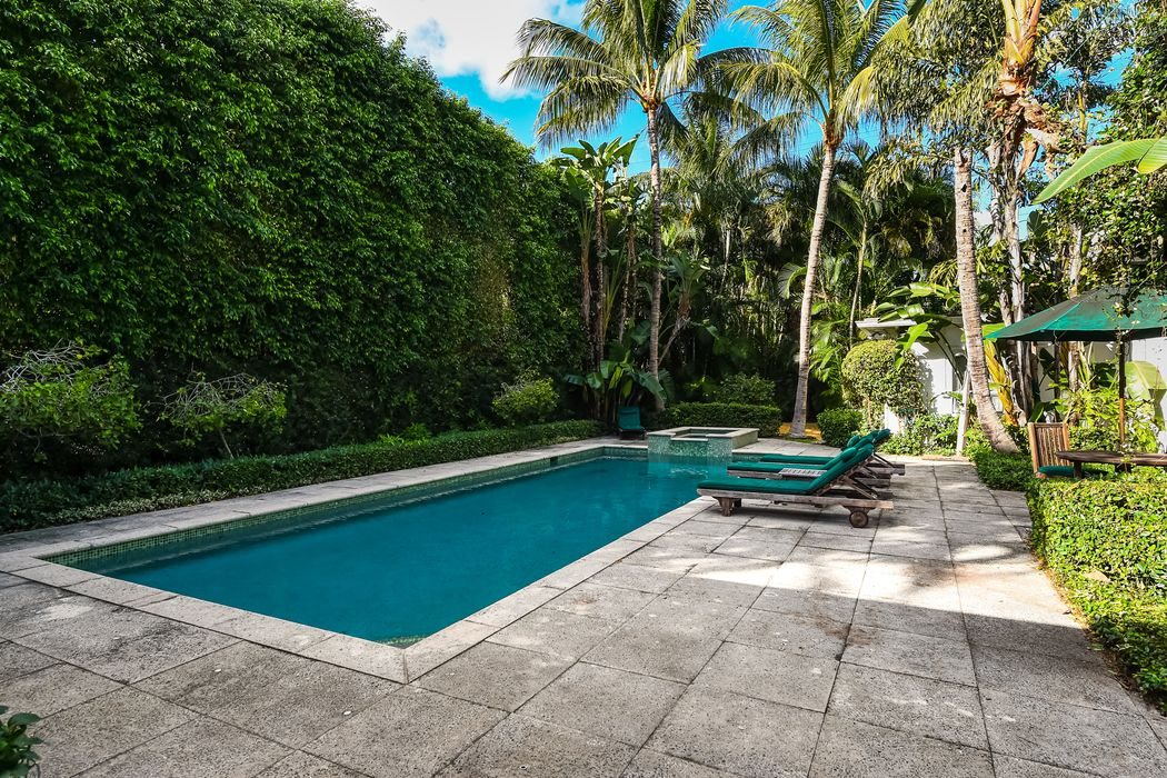 411 Brazilian Avenue Palm Beach, FL 33480