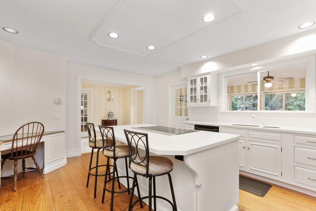 65 Ridgeview Avenue Greenwich, CT 06830