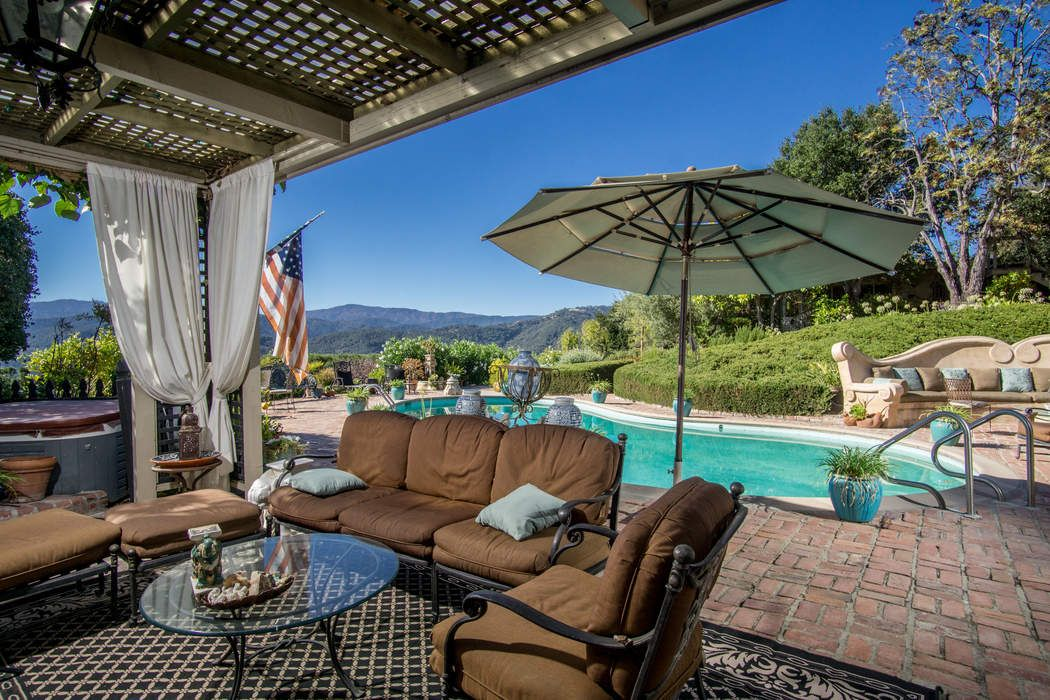 Carmel Valley - An Entertainer's Delight