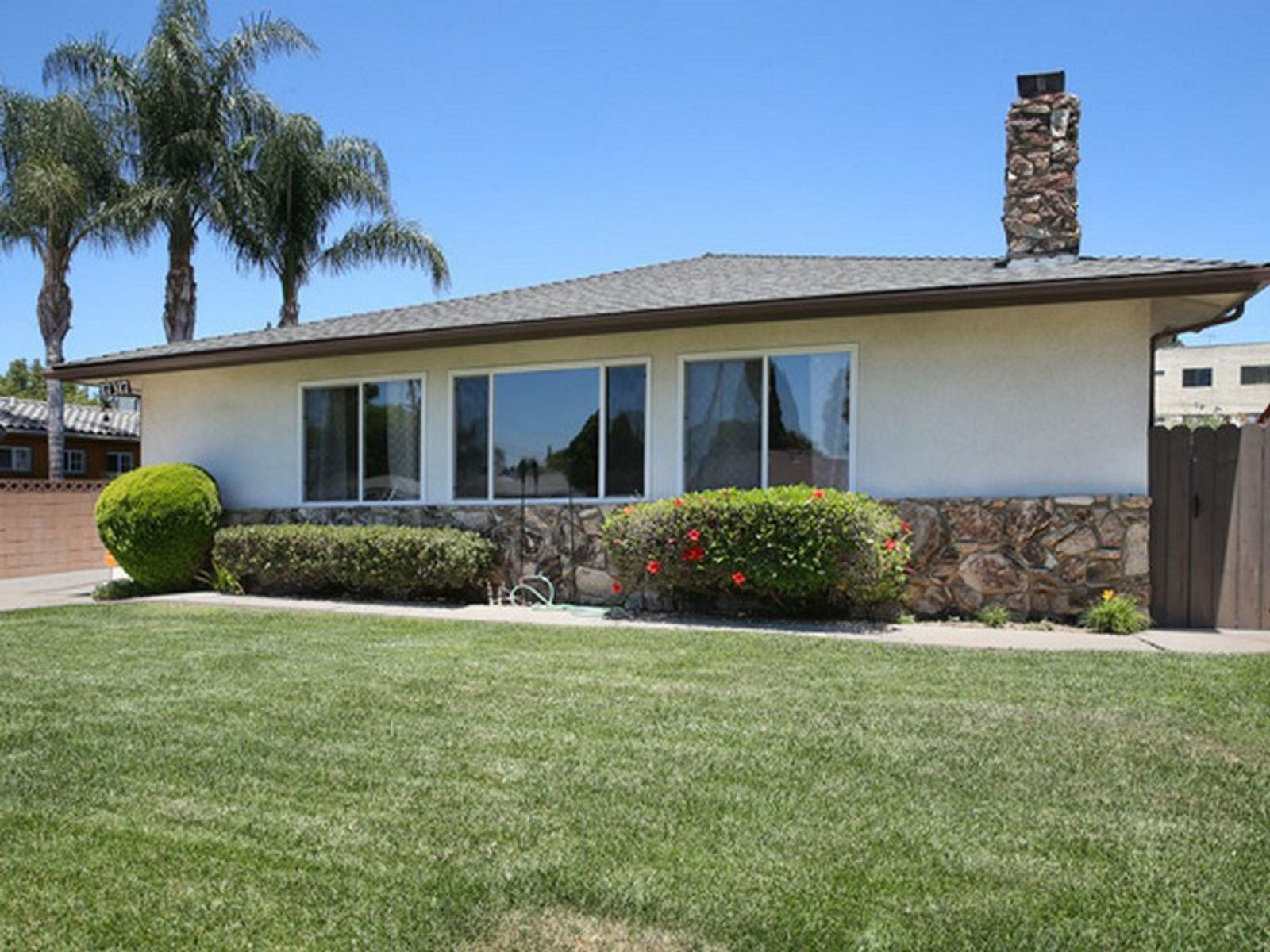 Well Maintained Home, Granada Hills CA Single Family Home - Pasadena Real Estate