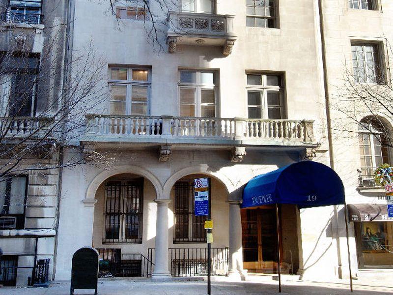 19 East 70th Street