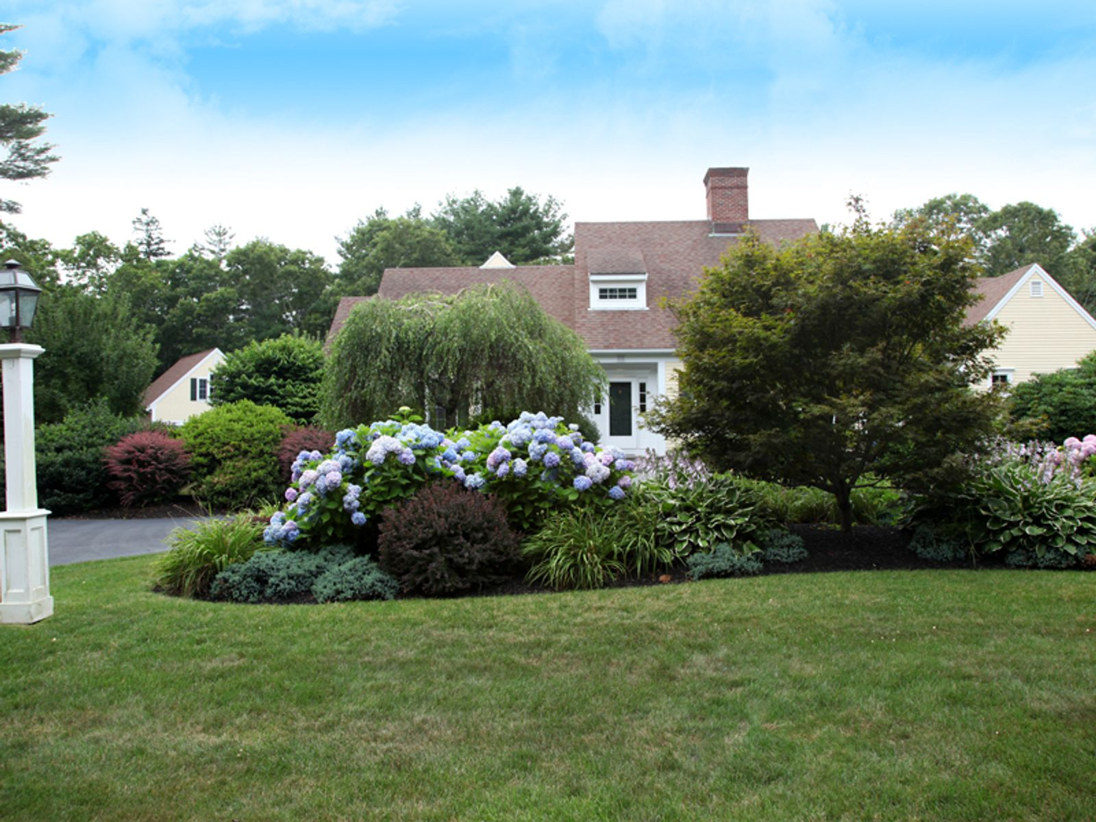 Gorgeous Grounds, Cotuit MA Single Family Home - Cape Cod Real Estate