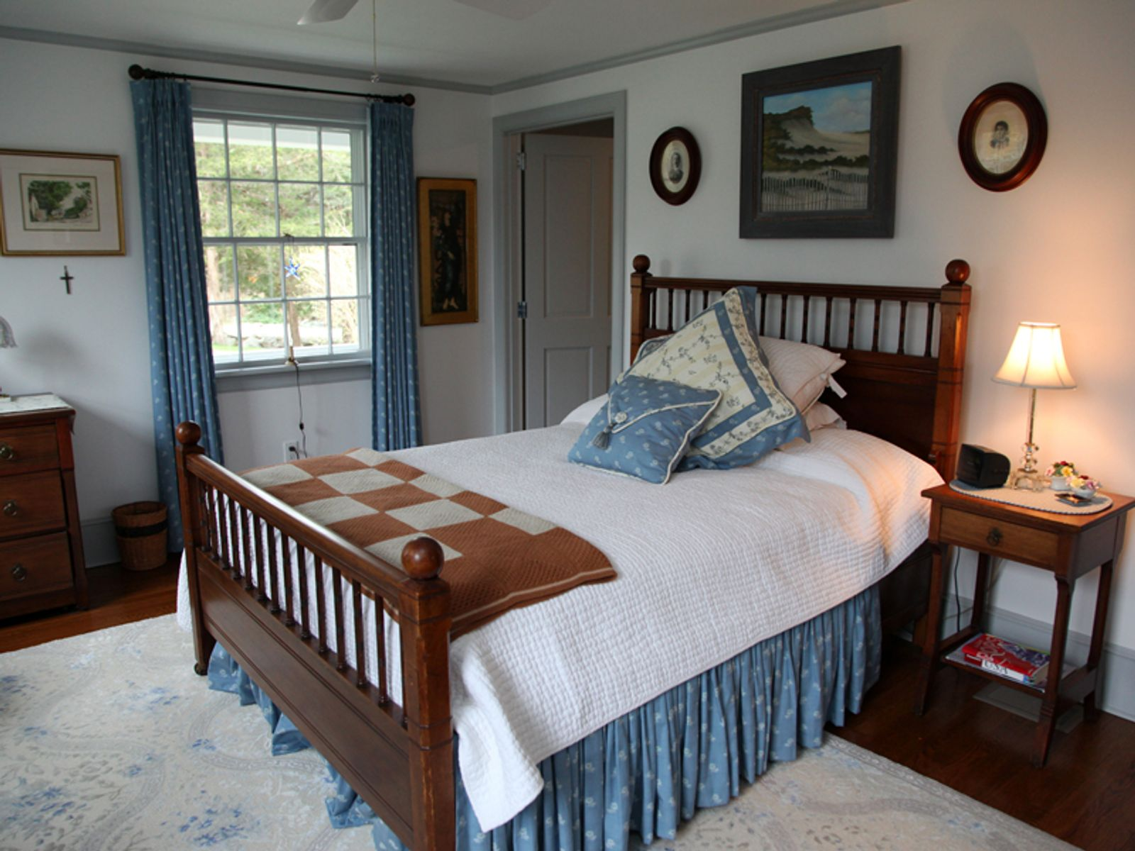 Cape Cod Bay Views and Private Grounds