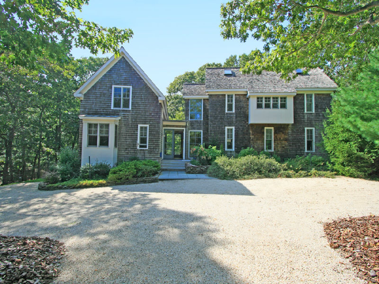 Beautifully Proportioned Traditional , East Hampton NY Single Family Home - Hamptons Real Estate