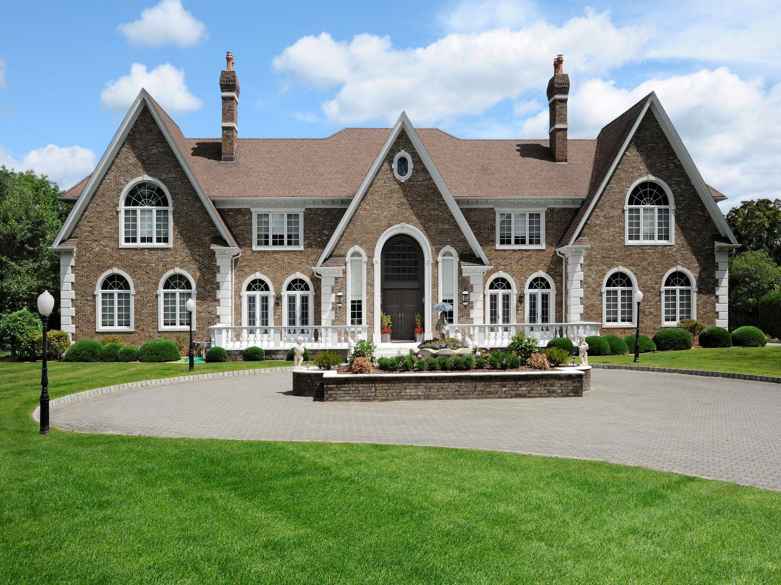 Round Hill Estate