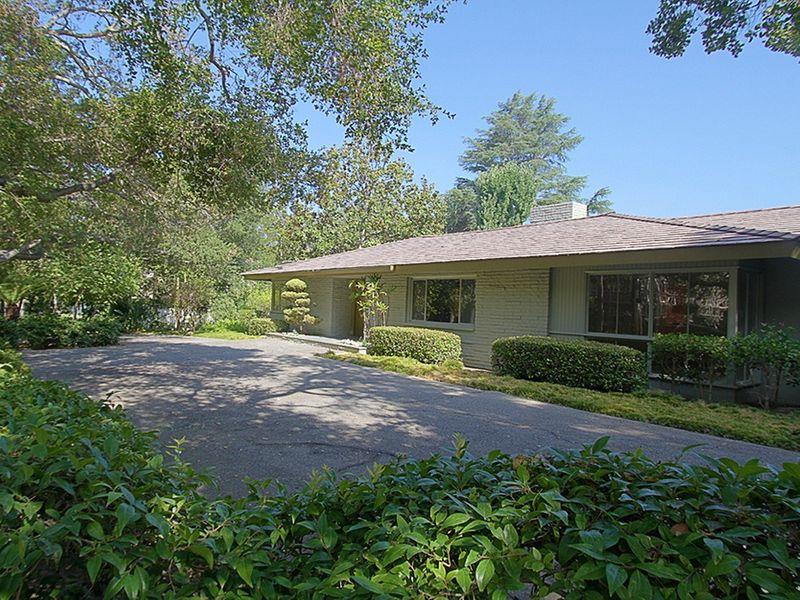 Arroyo Mid-Century Home