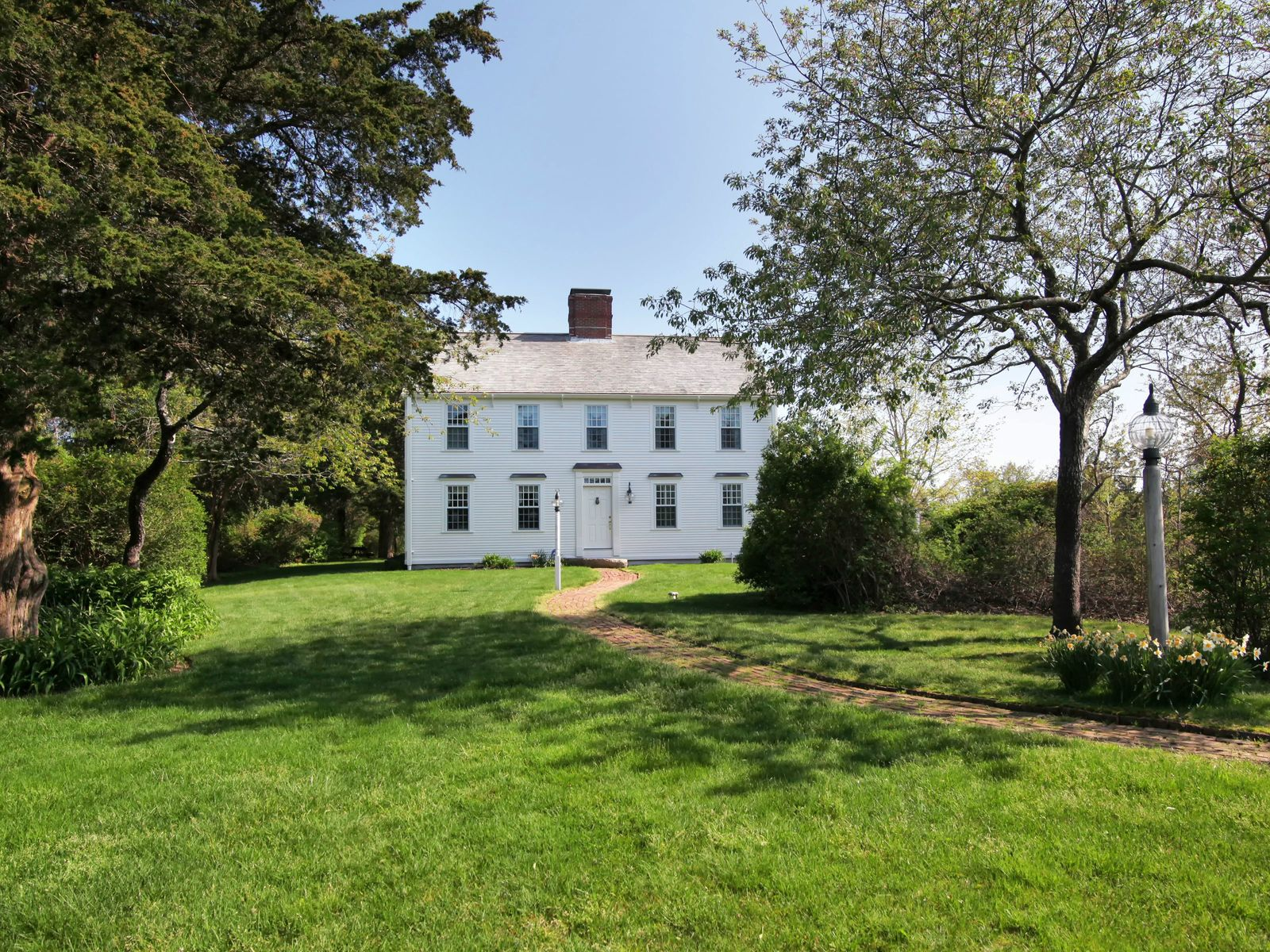Quality Point Hill Colonial Near Beach, West Barnstable MA Single Family Home - Cape Cod Real Estate