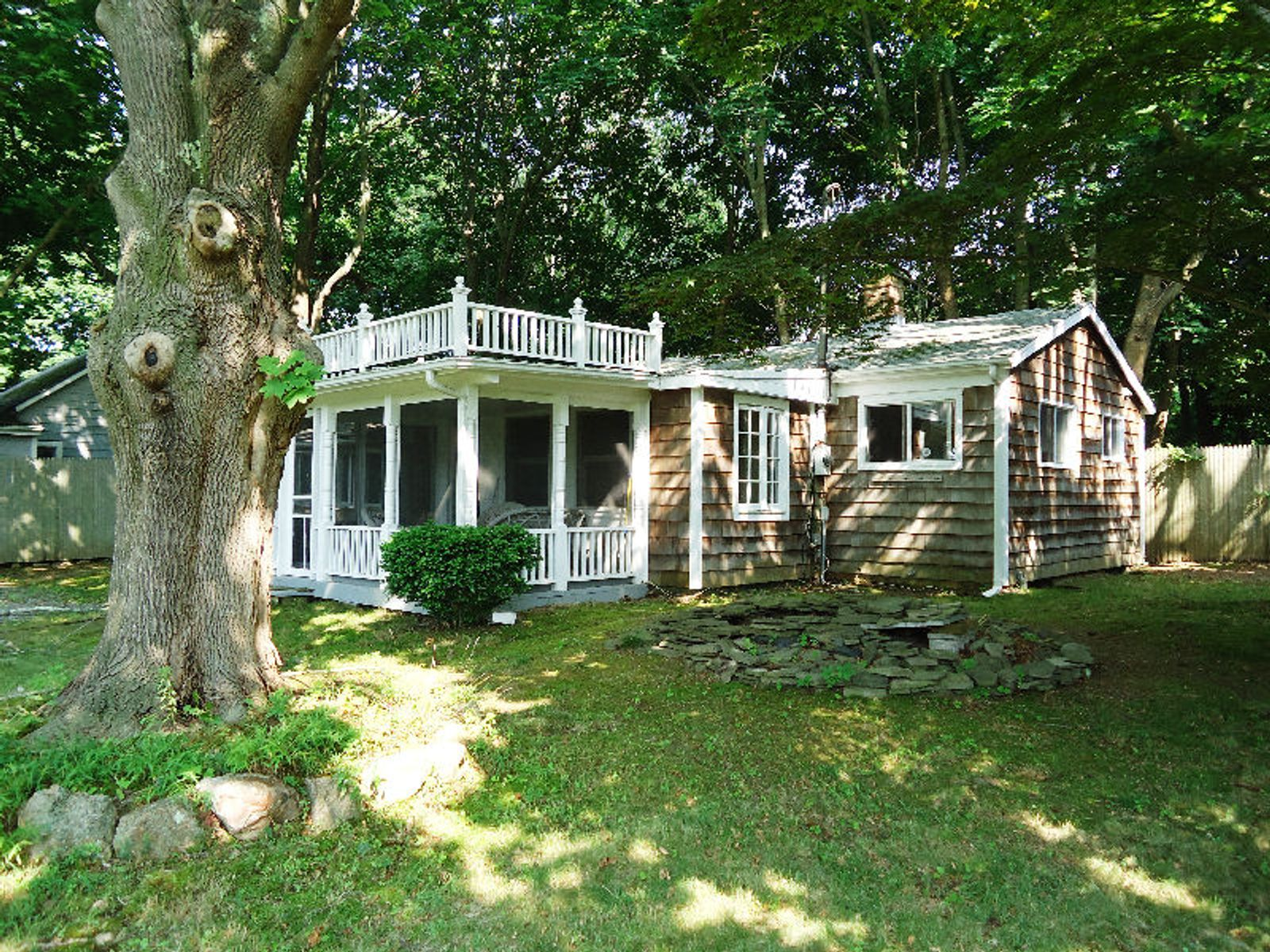 Private Wooded Barkers Island Property, Southampton NY Single Family Home - Hamptons Real Estate
