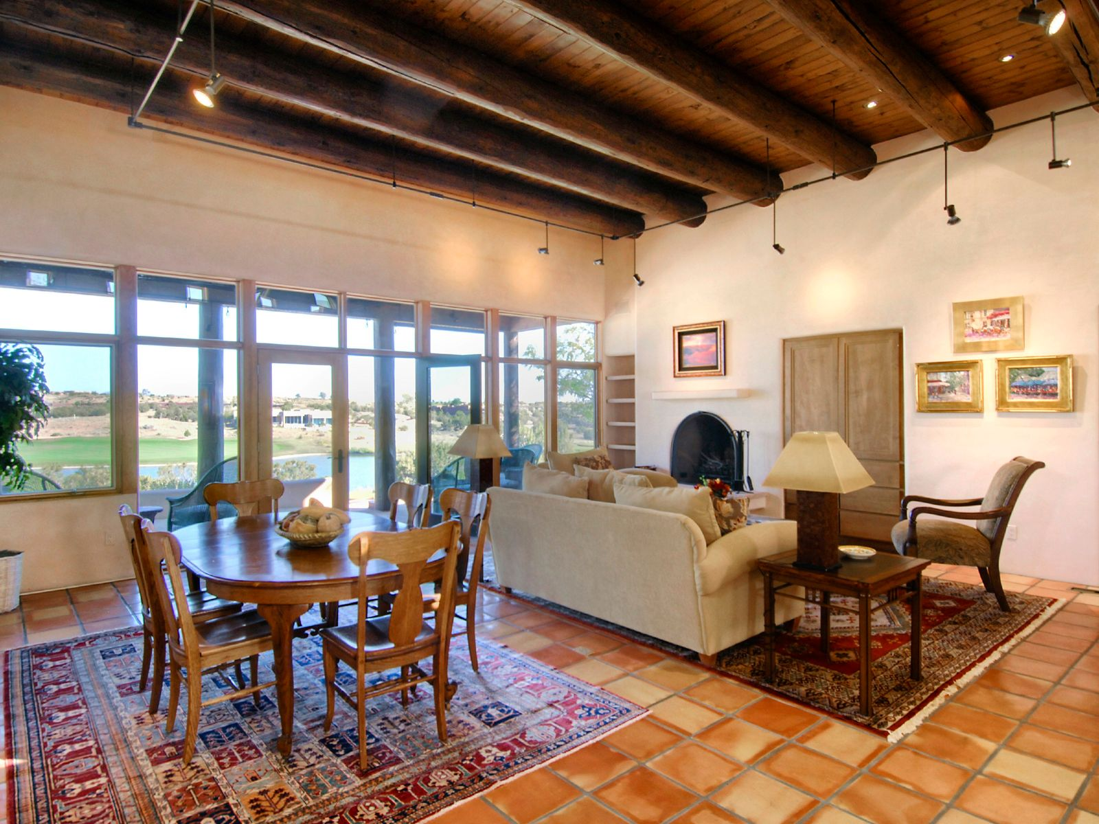 10 Calle Cimarron, Santa Fe NM Single Family Home - Santa Fe Real Estate