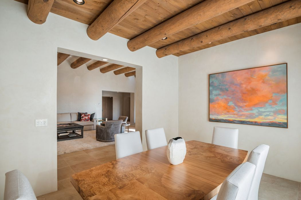 13 Calle Ojitos Santa Fe, NM 87506