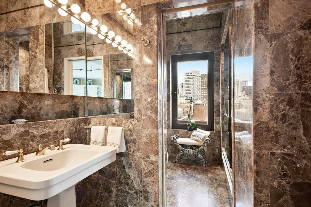 2 Beekman Place Apt 17a New York Ny 10022 Sotheby S