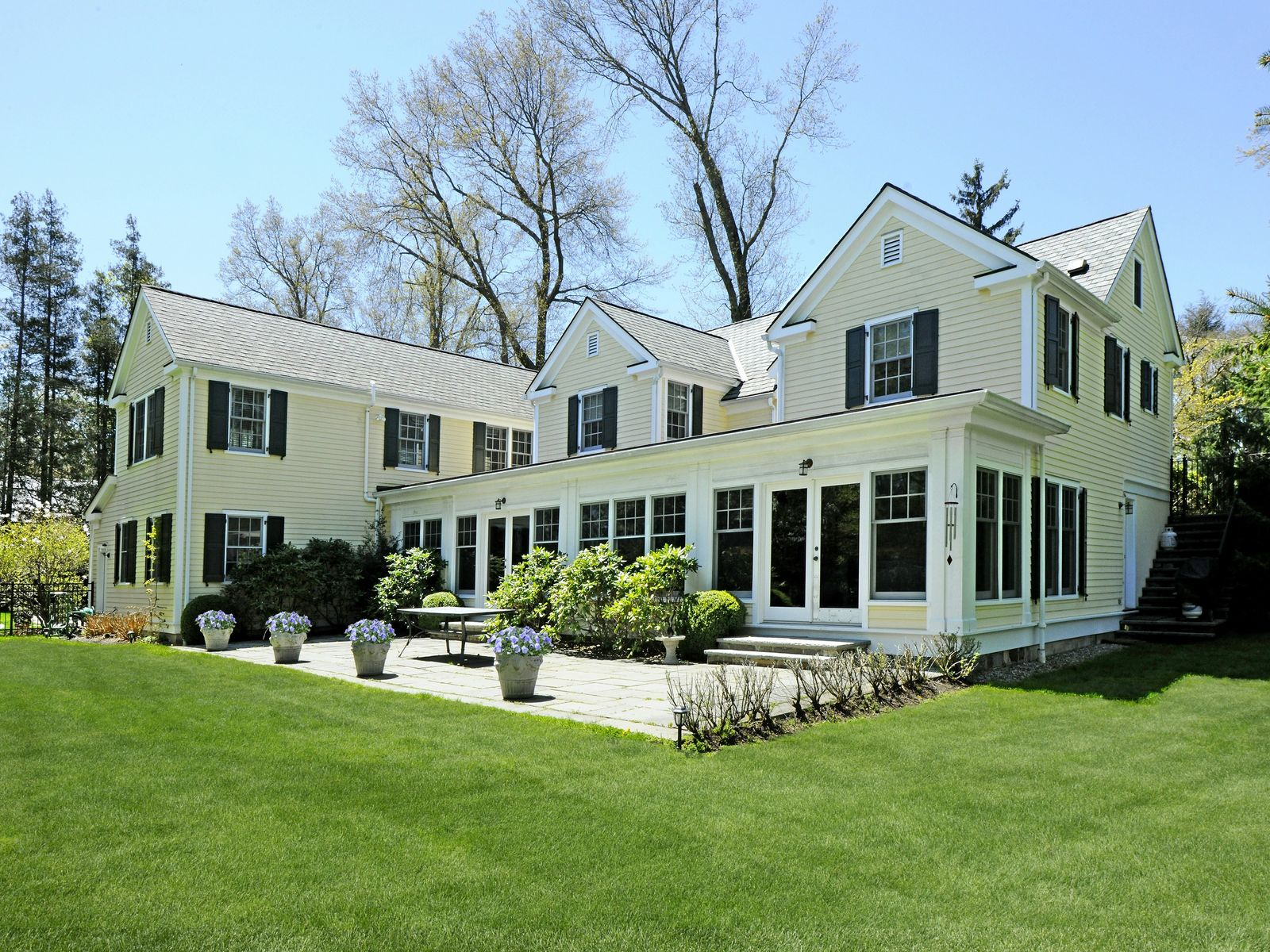 North Street Charmer, Greenwich CT Single Family Home - Greenwich Real Estate