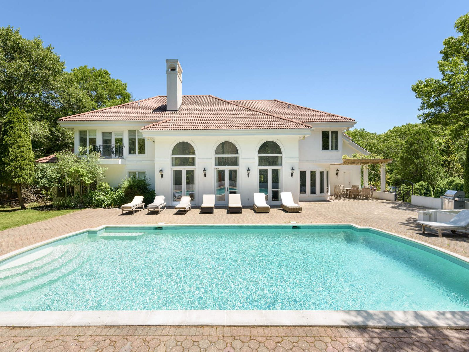 Mediterranean - Style Masterpiece, Water Mill NY Single Family Home - Hamptons Real Estate