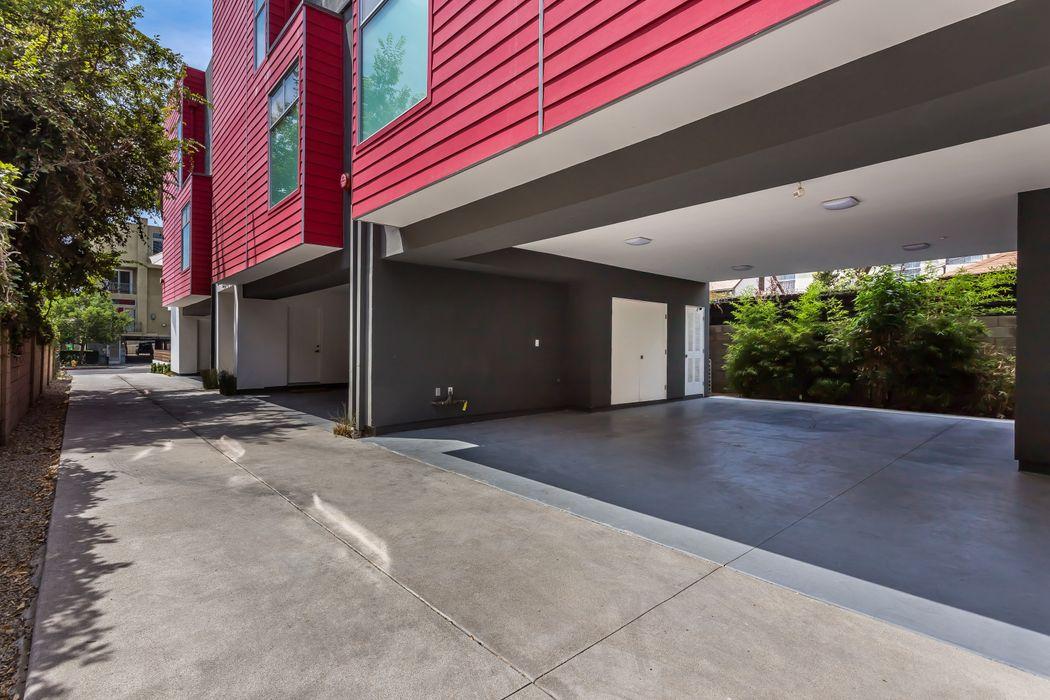 3730 Cardiff Avenue Los Angeles, CA 90034