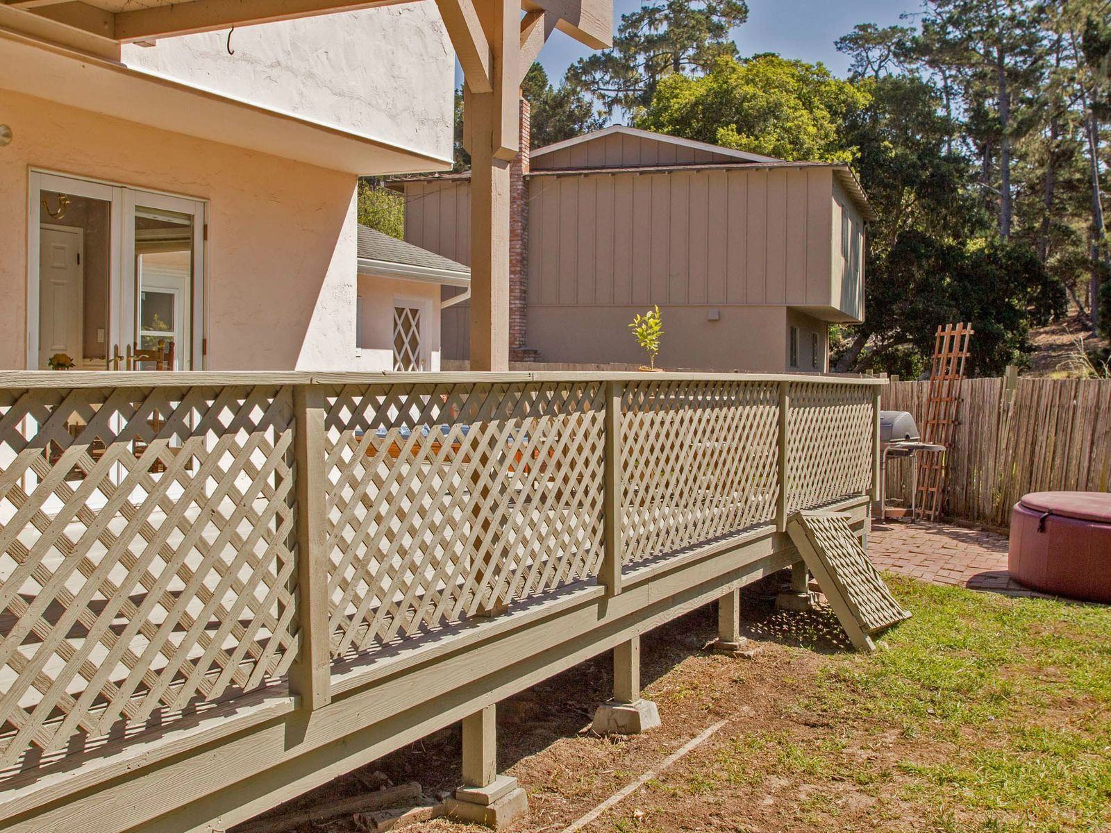 Spacious Living in Pacific Grove