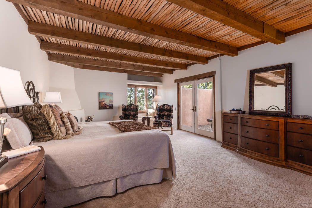 368 Calle Loma Norte Santa Fe, NM 87501