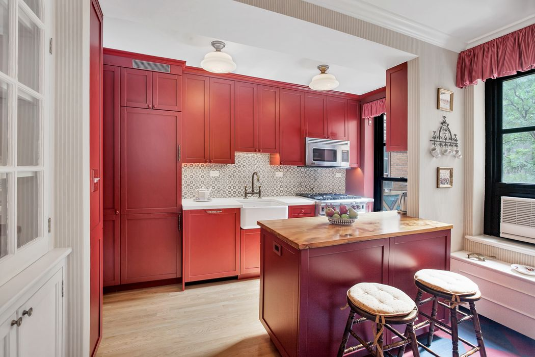 235 East 22nd Street Apt 3g New York Ny 10010 Sotheby
