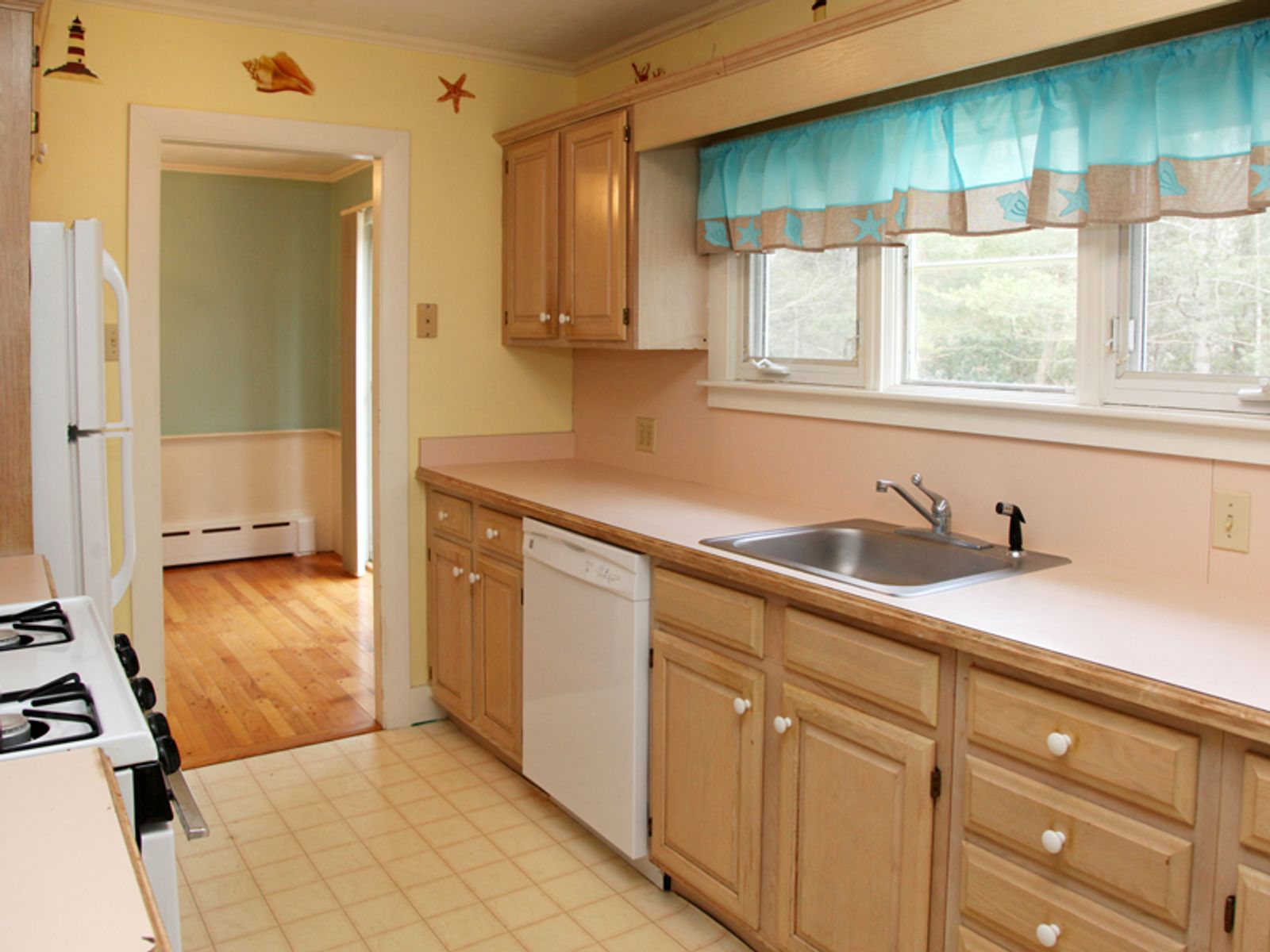 Osterville Ranch with Apartment