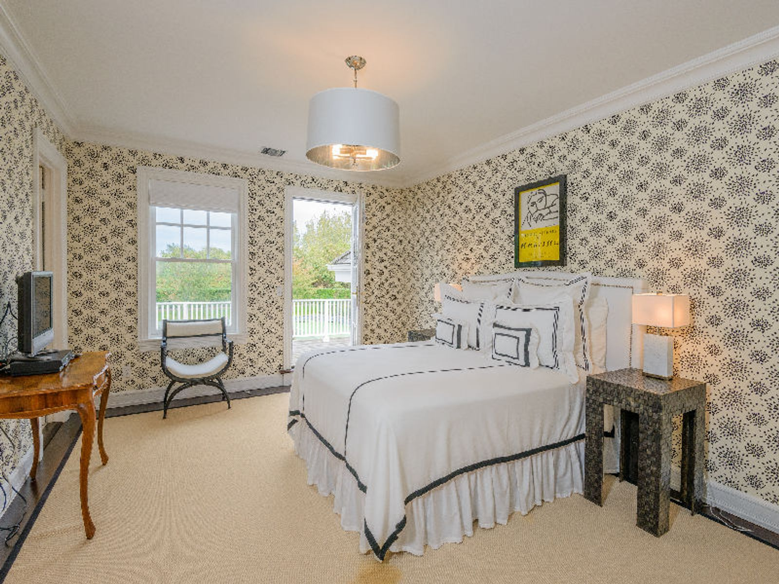 Southampton Village - Spacious Home