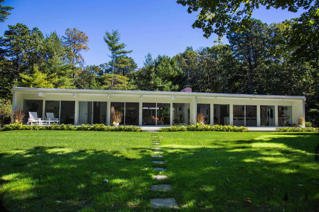 East Hampton Modern Near Northwest