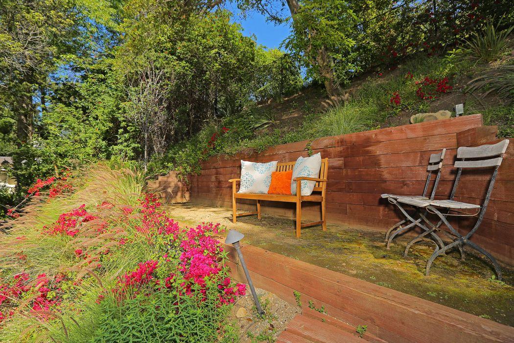 610 Cascada Way Los Angeles, CA 90049