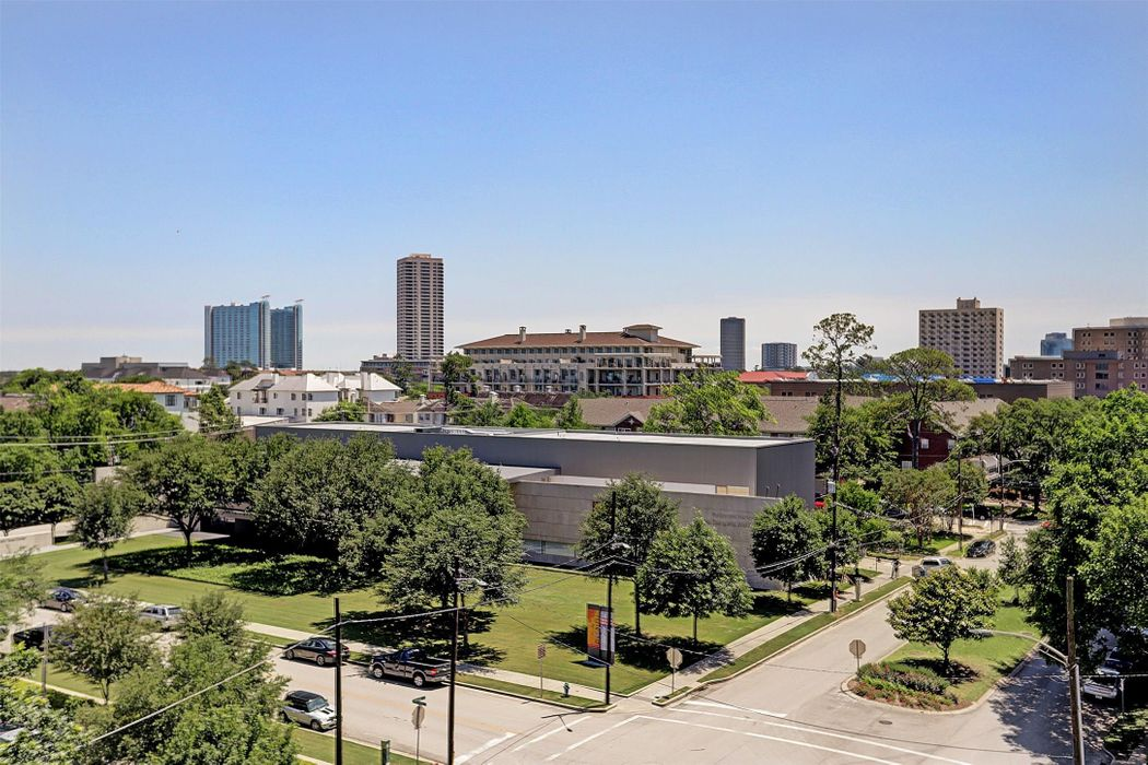 5104 Caroline Street Houston, TX 77004