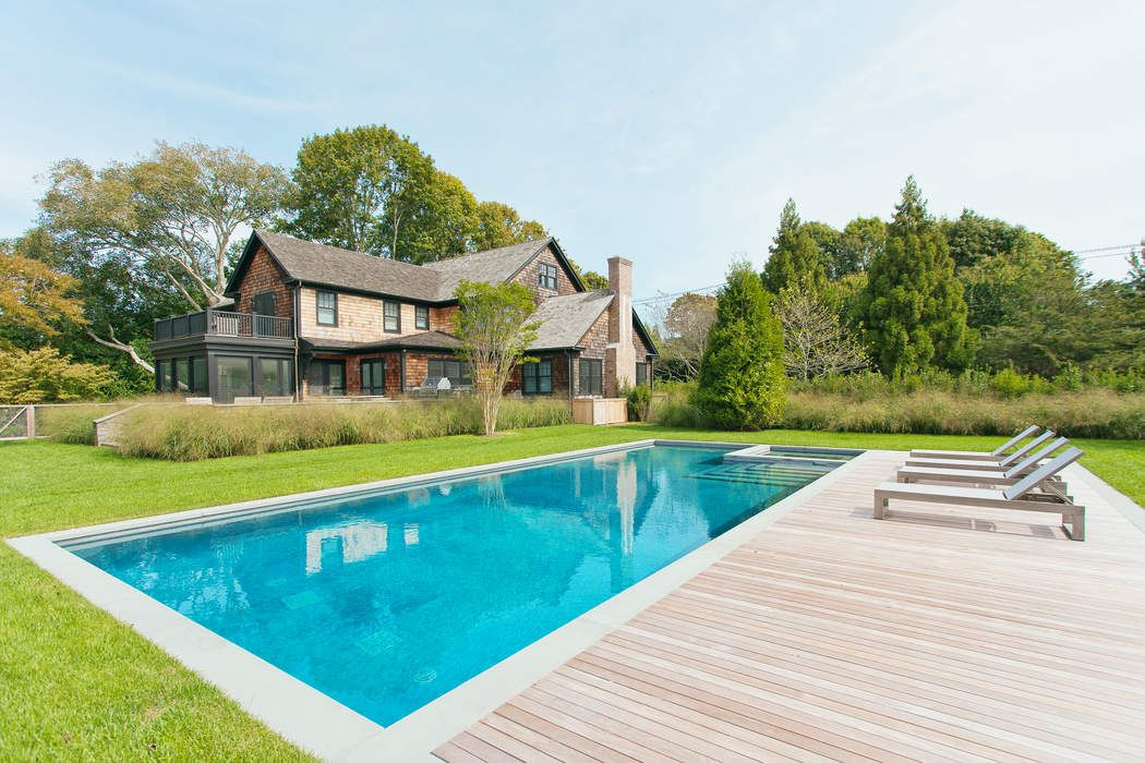 Chic Sagaponack South Farm House