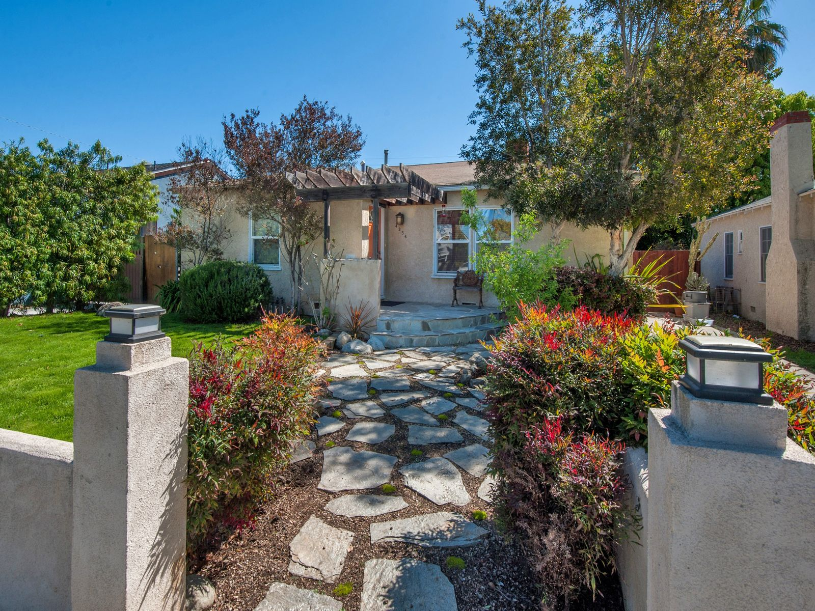Country Living Meets the City, Los Angeles CA Single Family Home - Los Angeles Real Estate