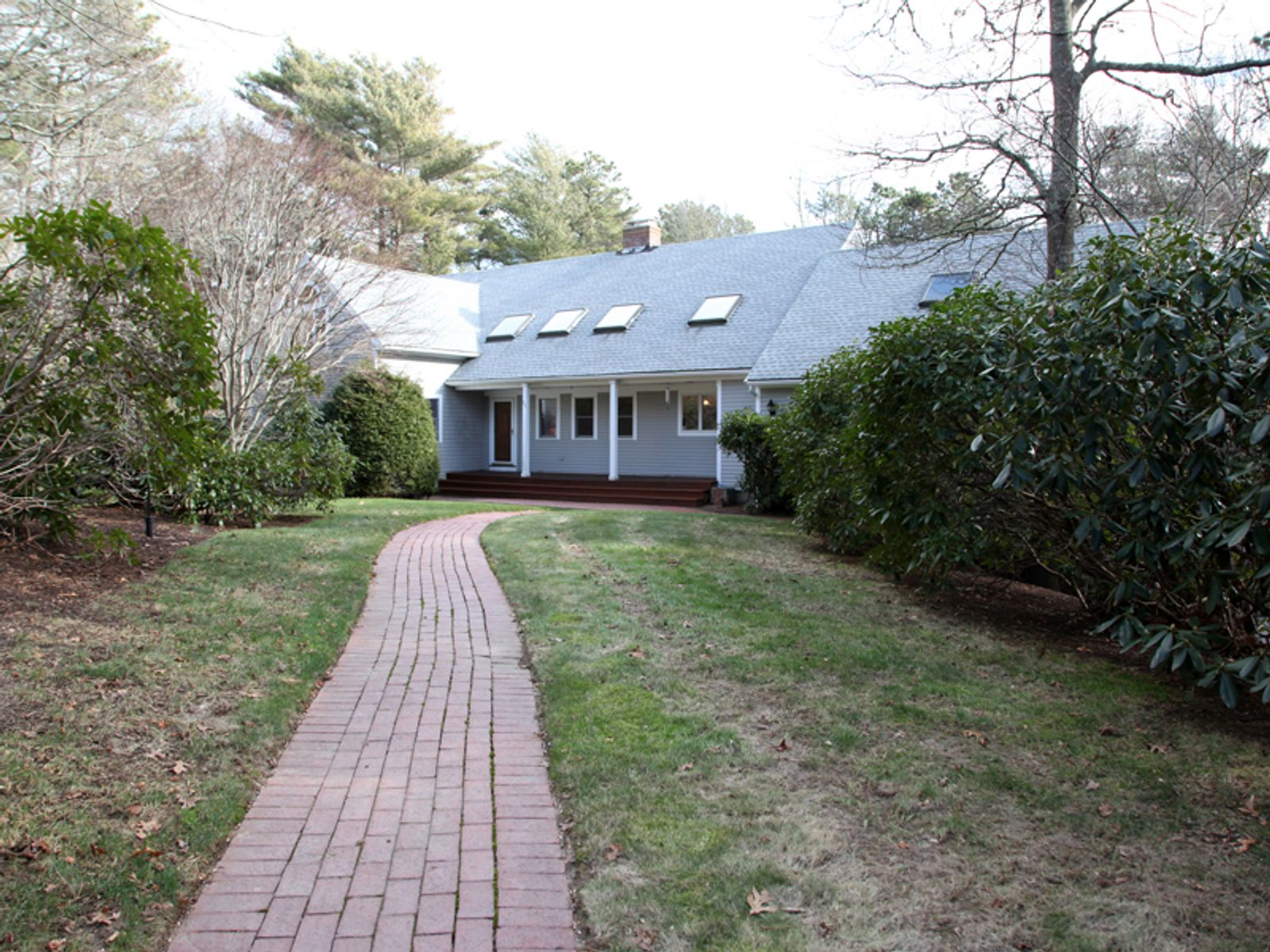 Waterfront on Round Pond, East Falmouth MA Single Family Home - Cape Cod Real Estate