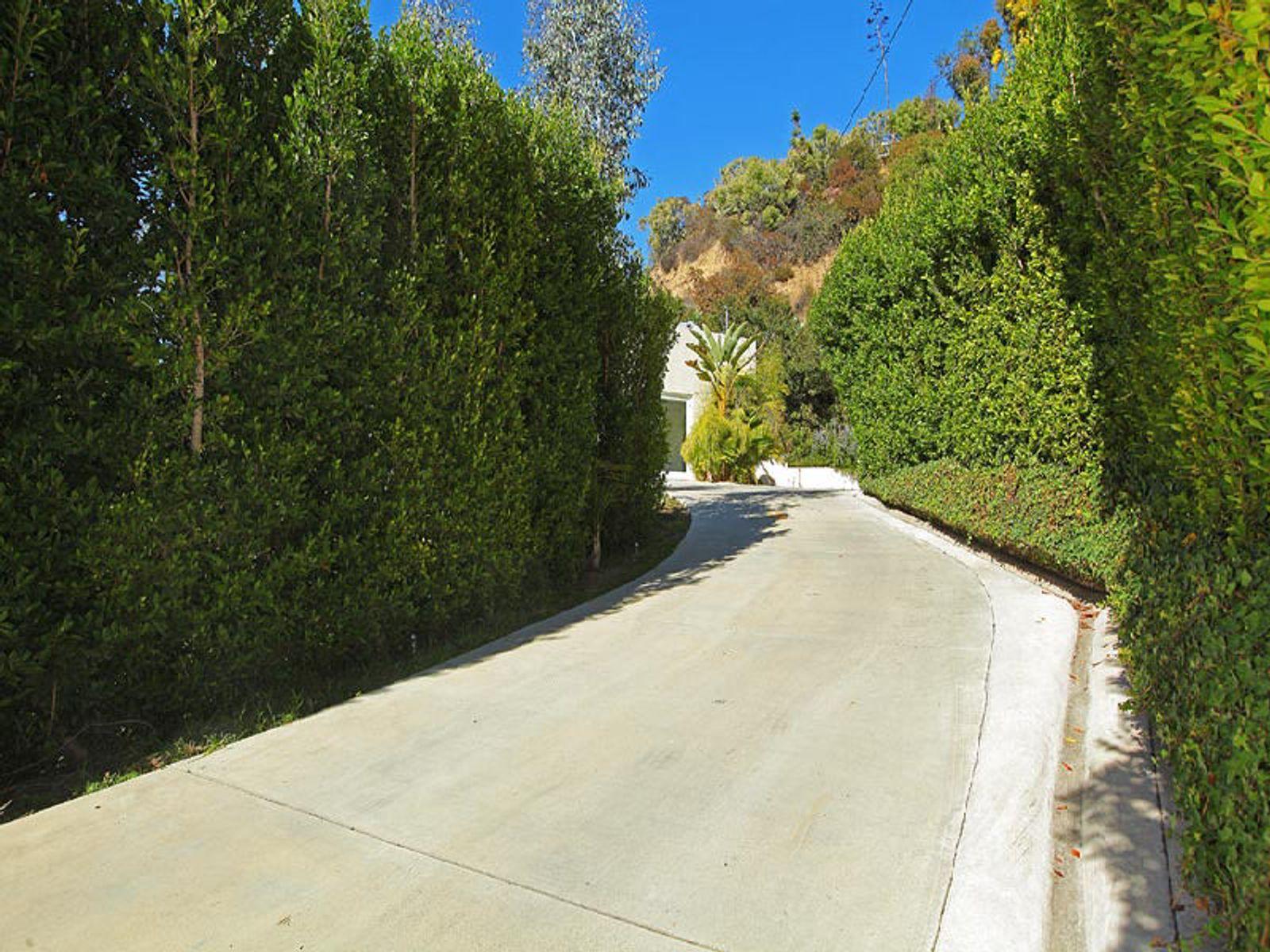 9465 Hidden Valley Place