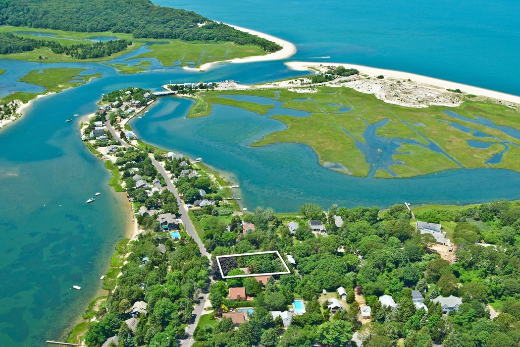 149 Towd Point Southampton, NY 11968