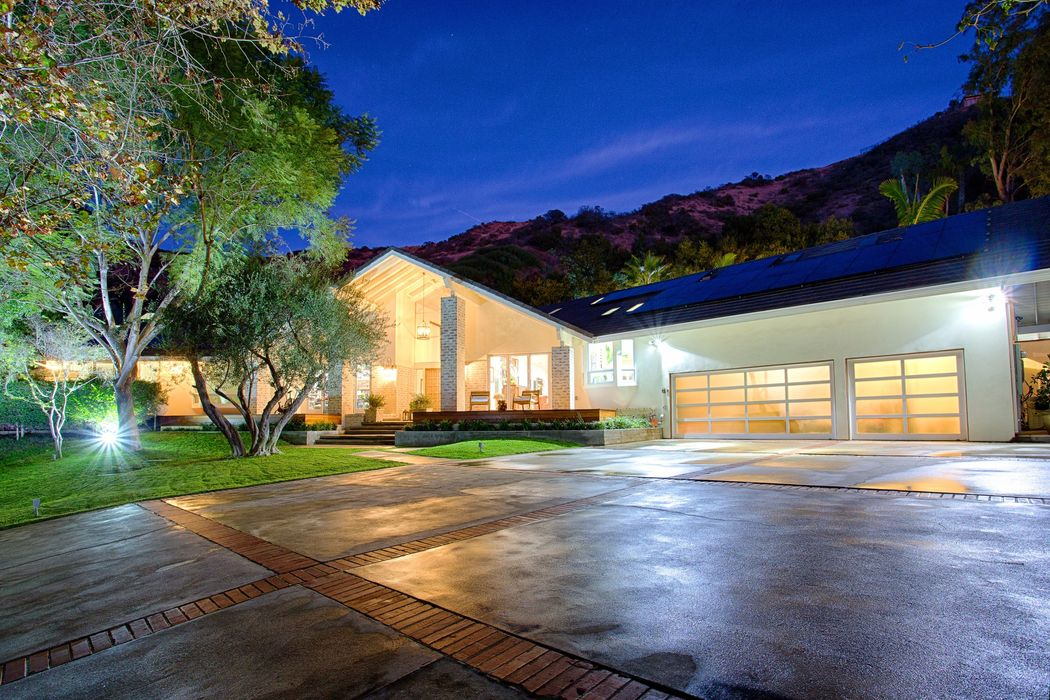 3410 Serra Road Malibu, CA 90265