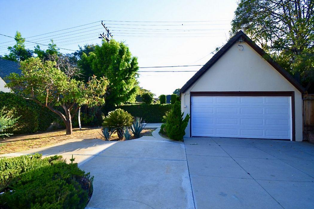 459 S Bundy Drive Los Angeles, CA 90049