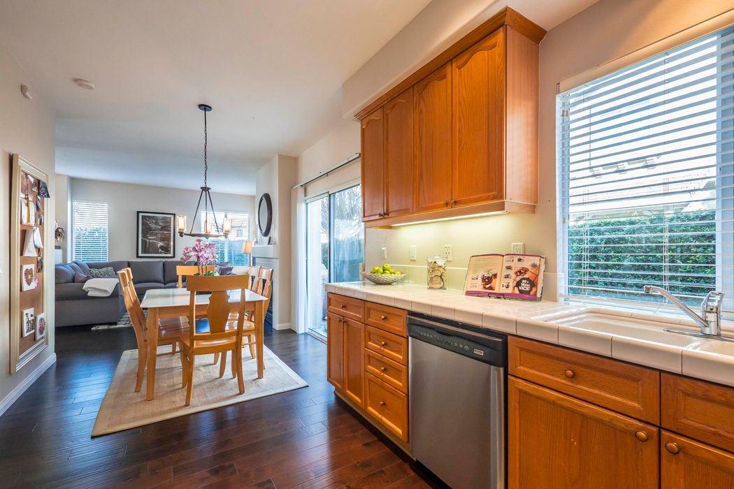1690 Russetwood Lane Simi Valley, CA 93065