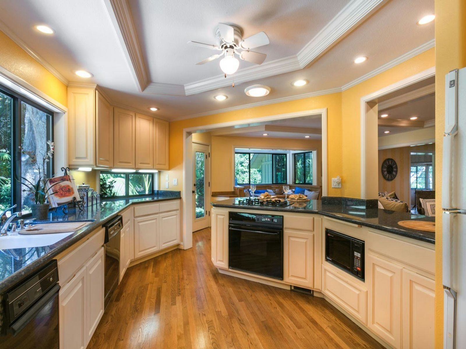 Oak Studded Estate