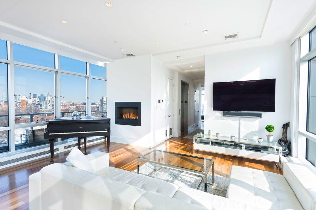50 Bayard Street New York, NY 11211
