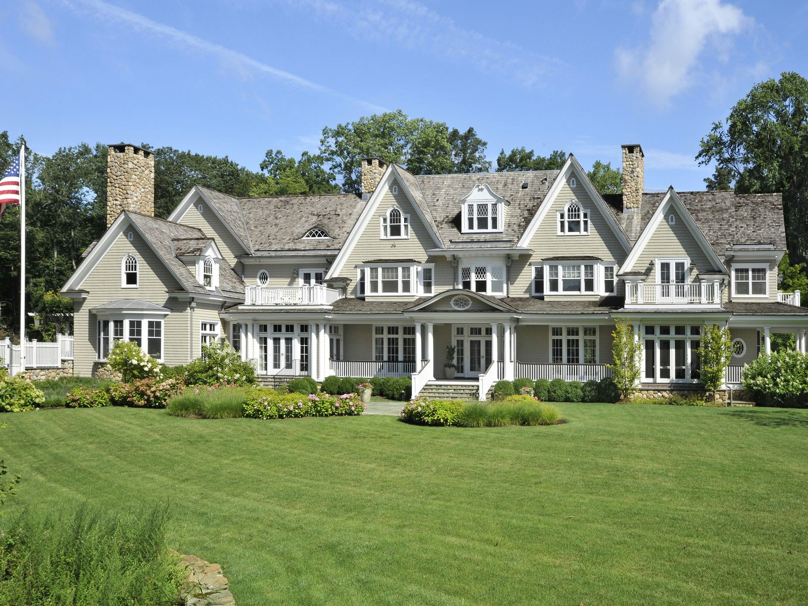 Round Hill Country Elegance, Greenwich CT Single Family Home - Greenwich Real Estate
