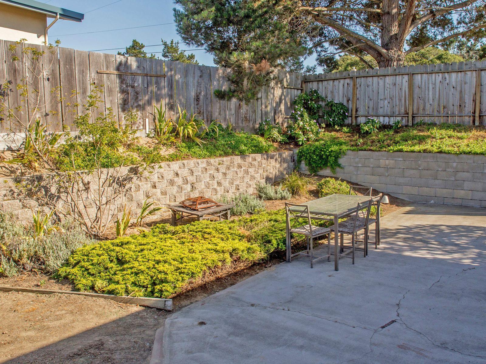 Corner Lot in Sunny Del Rey Oaks