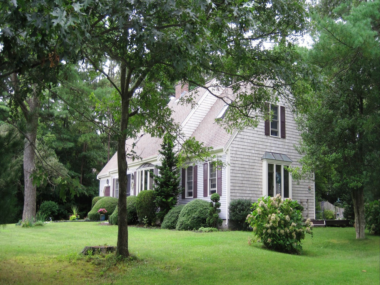 Centerville Cape on Corner Lot, Centerville MA Single Family Home - Cape Cod Real Estate