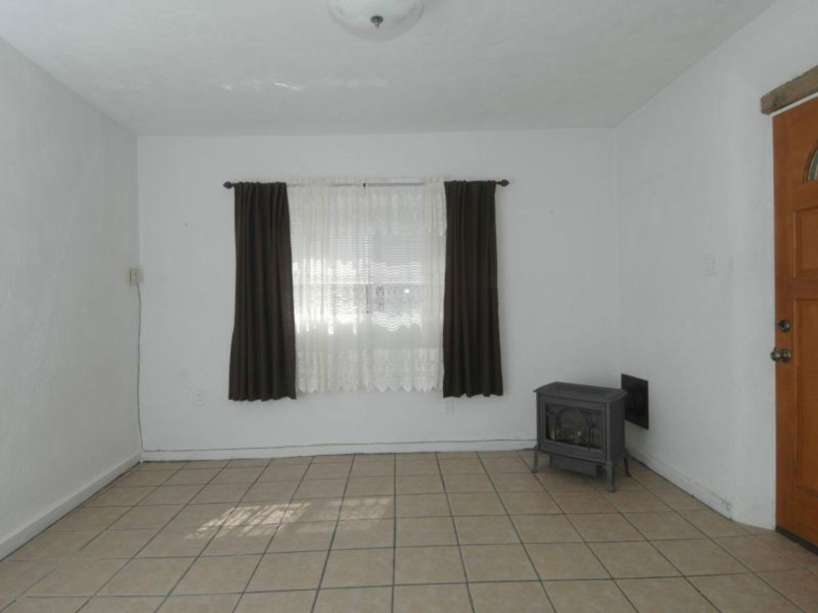 562 1/2 A East Garcia Street