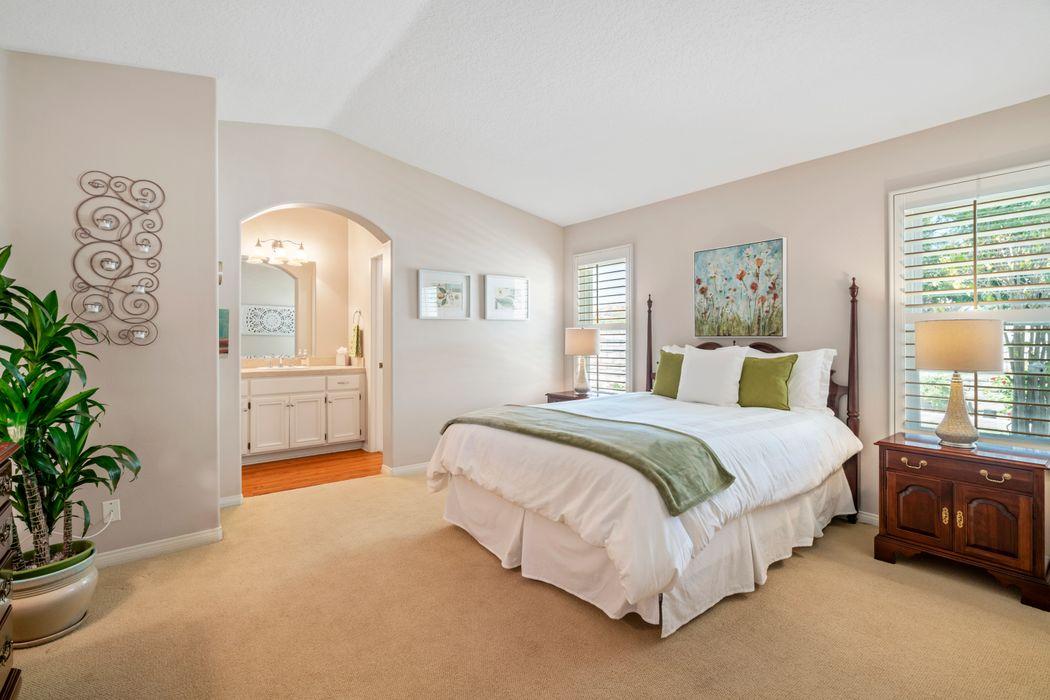 556 Timberwood Avenue Thousand Oaks, CA 91360