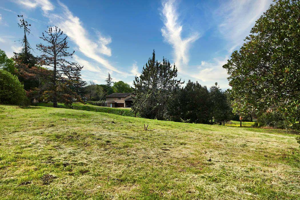 13051 La Paloma Rd Los Altos Hills, CA 94022