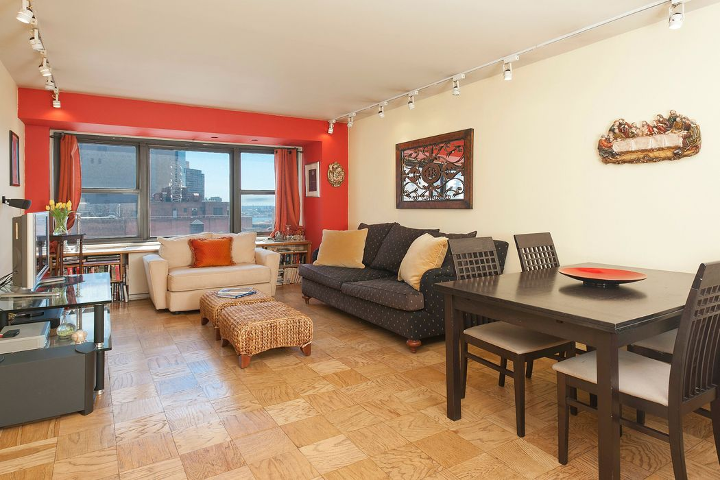 160 East 38th Street, Apt. 15F