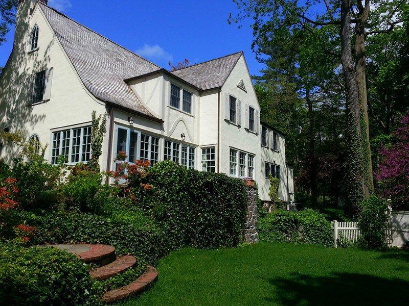 Enchanting English Manor House