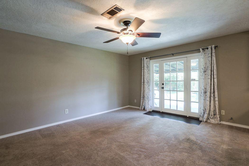 838 Sulphur Street Houston, TX 77034