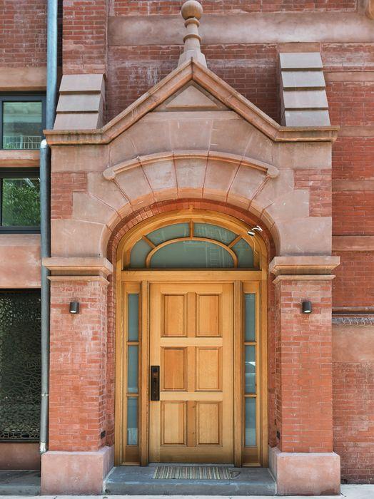 215 Sullivan Street New York, NY 10012