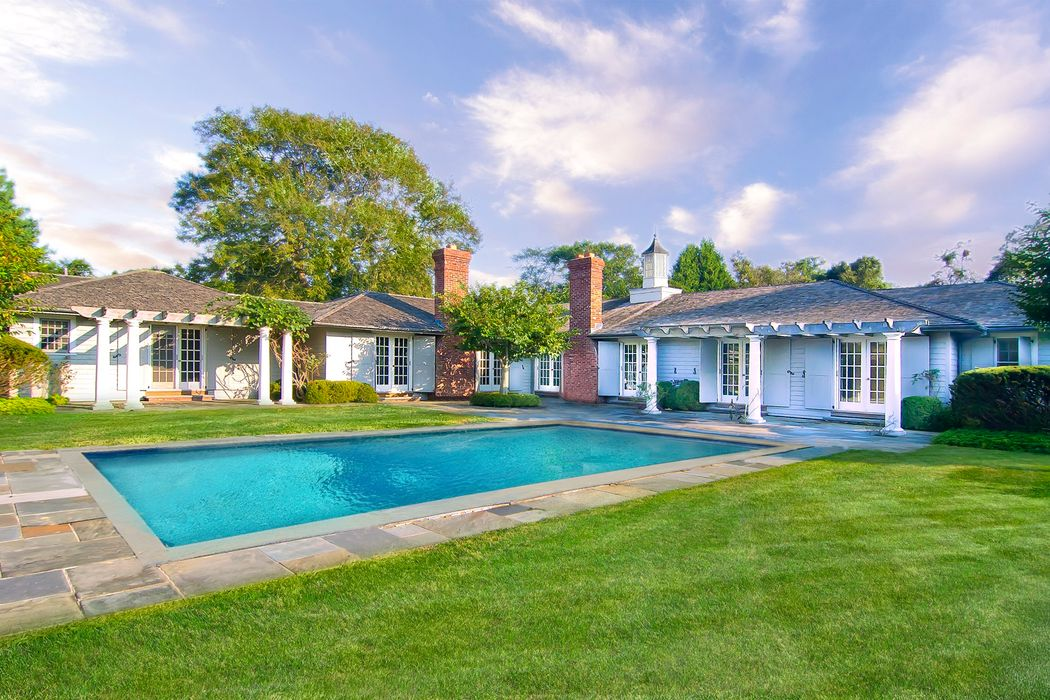 East Hampton Village Living