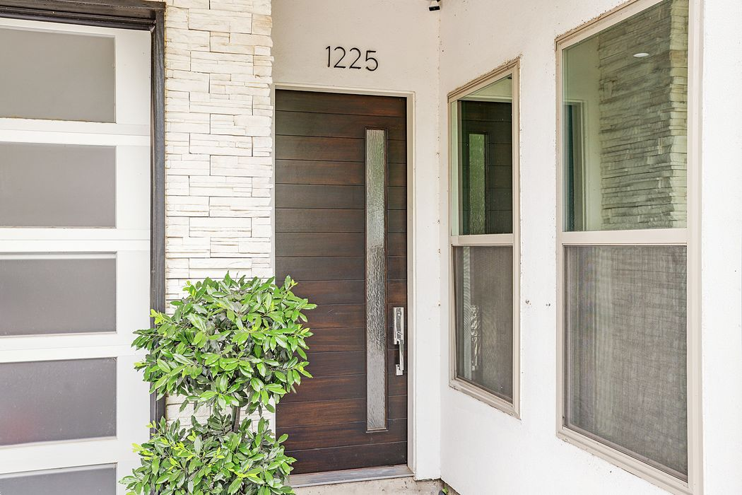 1225 Welch Street Houston, TX 77006