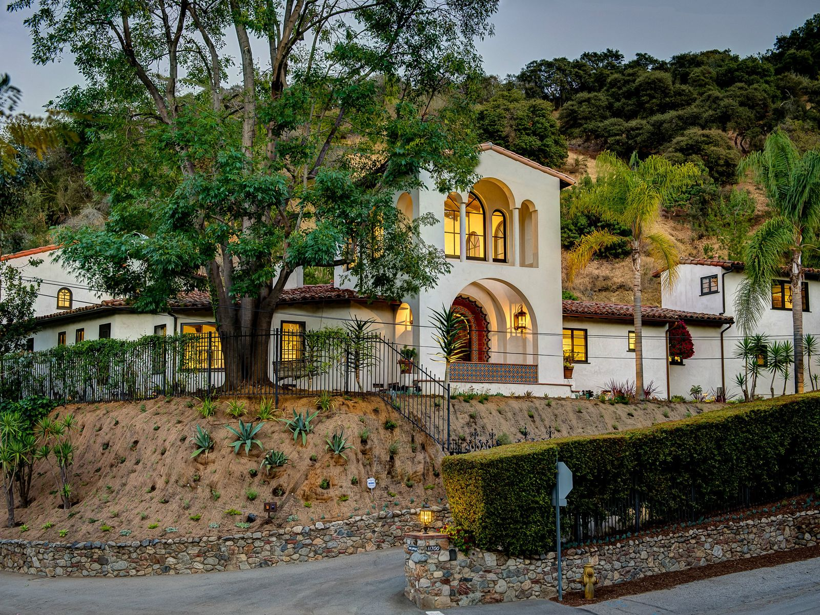 Gated Fryman Estate, Studio City CA Single Family Home - Los Angeles Real Estate