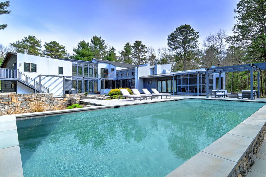 154 Swamp Road East Hampton, NY 11937